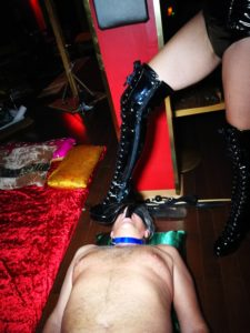 Foot fetishist sucking on delicious Queen Sensoria's heel