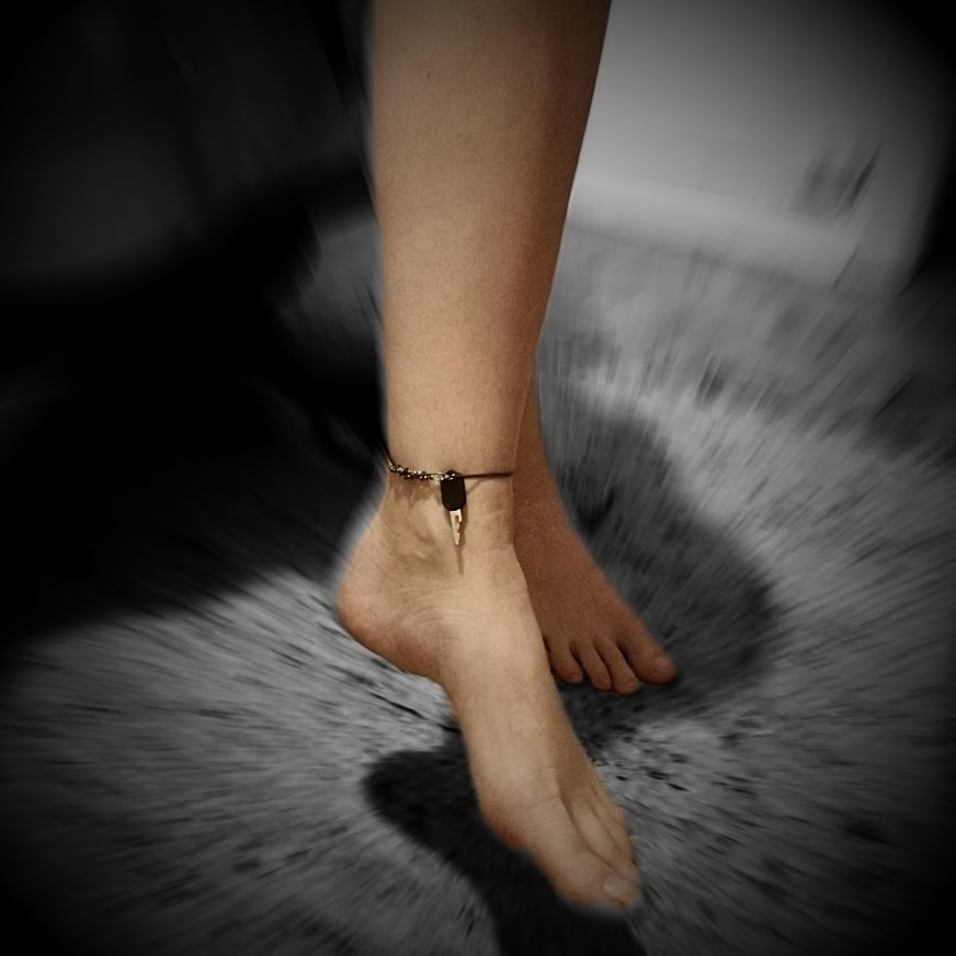 I want to keep you locked until you kiss my feet and beg to me... And then I'll keep you locked some more.